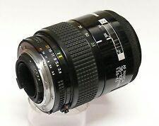 Nikon AF Nikkor 35-105 mm F3.5-4.5 AIS Macro Lente de zoom acoplados.