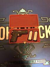 Hot Toys MMS504 John Wick capítulo 2 Keanu Reeves Kimber Guerrero .45 1911 en caso