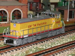 MTH RAILKING UNION PACIFIC MP15AC DIESEL ENGINE # 30-2815-1 PROTO 2 WITH BOX