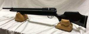 Benjamin Marauder PCP 22 Cal Pellet Air Rifle 5 Magazines & OEM Single Shot Tray