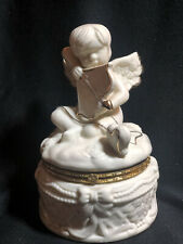 Angel Cherub with Bow and Arrow in White with Gold Accents Sei