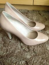 Jones bootmaker beige patent leather court shoes size 5 good condition