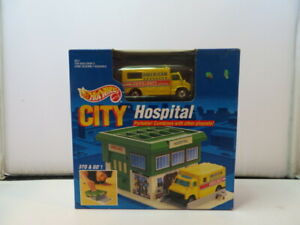 Vintage HotWheels City Hospital Mattel  Portable Playset toys