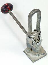 Antique Dazey Churn Mfg. Crackit Ratchet Nut Cracker Black & Red Knob