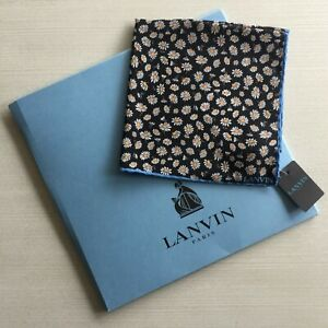 LANVIN FLORAL SILK POCKET SQUARE WITH LOGO GIFT SLEEVE MADE IN ITALY BNWT