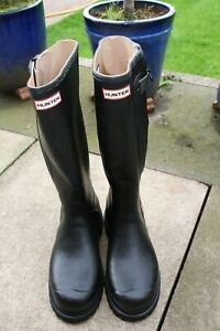 Hunter - Black Wellington Boots - Size 10.5 - 11