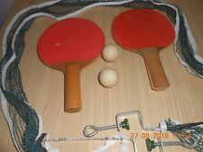 Pour tennis de table : 1 filet - 2 raquettes - 2 balles