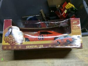 Johnny Lightning Dukes Of Hazzard General Lee Diecast Car 1:25 Scale