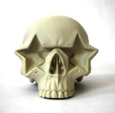 RON ENGLISH BONE WHITE STAR SKULL VINYL FIGURE