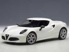 AUTOART ALFA ROMEO 4C 2013 BLANC 1:18 (70188)
