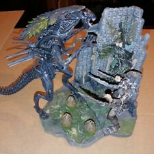 McFarlane Alien vs. Predator statue/playset lot (avp,figure set,Scar vs Queen,)