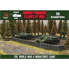 Véhicules militaires miniatures gris