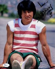 JACKIE CHAN HAND SIGNED 8x10 COLOR PHOTO     HOT POSE    RIPPED MUSCLES      JSA