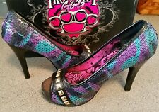 Iron Fist Girls Platform Shoes, size 7