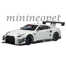 AUTOart 81576 NISSAN SKYLINE GT-R NISMO GT3 1/18 MODEL CAR WHITE