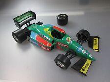 Bburago: Rennwagen Bennetton Ford Unfallwagen Racing F1 , Massstab 1:24  (GK106)