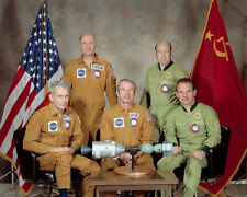 ASTP CREW APOLLO SOYUZ USA-USSR TEST PROJECT 8x10 PHOTO NASA 1975