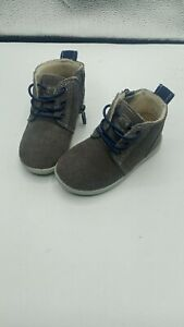 Baby uggs size 6 boots