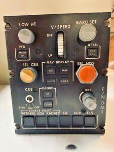 Aircraft Flight Nav F/N DMS RN Control Panel Unit EA4600V104-002 99-666-8207