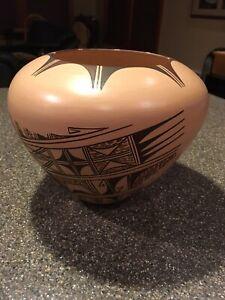 Donna Navasie - Robertson Hopi - Tewa Reservation Pottery