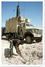 2nd Armored Cavalry Regiment Soldier Digging Foxhole Desert Storm 8x12 Photo