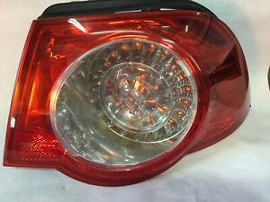 Volkswagen EOS passenger side tail light