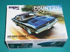 1969 Dodge Charger R/T Country Charger MPC 1/25 Complete & Unstarted.