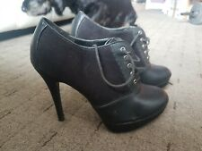 Black leather heeled ankle boots size 6