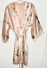 California Dynasty Pink Floral Satin Finish Lace Trim Robe w/ Tie Belt Sz M USA