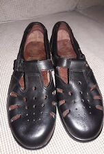 Women's Shoes Clova's of Norway Black Leather T-strap Pierced Leather 10M