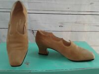 SACHA LONDON WOMEN'S Heels Pumps Shoes Tan BEIGE SUEDE Leather US SZ 6B