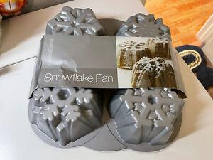 crate & barrel wilton heavy cast aluminum mini snowflake bundt pan