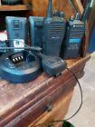 Motorola CP185 Two Way Radio Radius CP150 Radio Microphone Charger