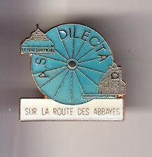 RARE PINS PIN'S .. TOURISME VELO CYCLISME DILECTA MONT ST SAINT MICHEL 50 ~CH
