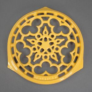Le Creuset France Cast Iron Golden Yellow Footed Round Trivet Warming Hot Plate