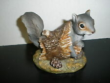 Adorable Vtg 1986 Homco Masterpiece Grey Squirrel in Hollowed Log Figurine