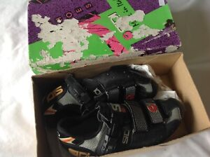 SIDI - BLACK GREY - LOOK CLEATS - CYCLING SHOES SIZE 39 EURO  - USED CONDITION