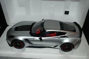 1:18 Autoart Chevrolet Corvette C7 Z06 in Blade Silver