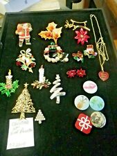 Vintage lot Christmas tree, Candle, Bell, Reef  rhinestone pins, Brooches 072104