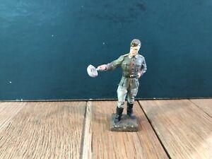 Lineol: German Soldier w/ Soup Ladle. 70mm Scale. Pre War c1930s.