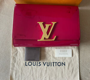 Louis Vuitton, Vernis Clutch Bag, Beautiful Raspberry Red Colour, Auth.