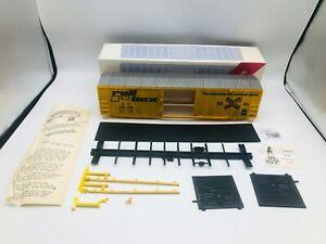 Weaver Quality Craft Models O Scale 50' Boxcar - 1424 Burlington Northern 249490