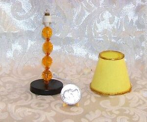 VINTAGE DOLLHOUSE MINIATURE MOD FLOOR LAMP ELECTRIC IT DOES PLUG IN UNTESTED