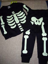 NWT GYMBOREE BLACK Glow in Dark HALLOWEEN SKELETON PAJAMAS PJS GYMMIES 6-12 Mo