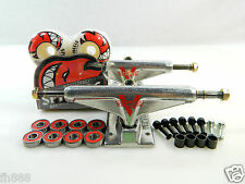 Venture 5.25 Lo Raw Skateboard Trucks + Spitfire 52mm Bighead White Wheels