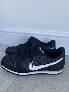 Limited edition Spot Nike Internationalist Black Size 4.5 Trainers