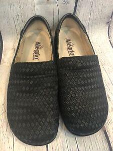 Alegria Keli Waverly Woven Embossed Womens 37 Black Leather Clogs KEL-752