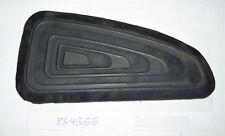 SERBATOIO IN GOMMA GINOCCHIO GOMMA SINISTRA TRIUMPH 83-4355 Knee rubber euro SERBATOIO left Hand Only