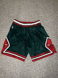 NBA Authentic Mitchell & Ness Chicago Bulls Earth Day (2008-09) Shorts 3XL