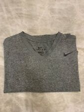 Nike Dri-Fit Mens V Neck T-Shirt Size L Grey